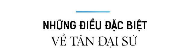 Chân dung tân Đại sứ Vương Quốc Anh - người viết facebook bằng tiếng Việt - Ảnh 10.
