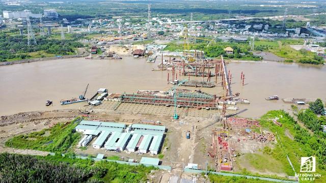 Toàn cảnh siêu dự án 10.000 tỷ đồng phơi nắng mưa do bị ngưng thi công tại TP.HCM - Ảnh 4.