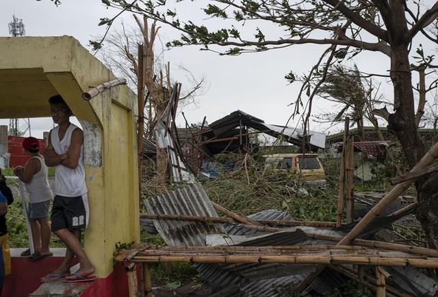 Số người chết vì bão Mangkhut ở Philippines tăng chóng mặt - Ảnh 1.