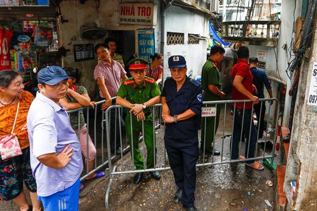 Dân nghèo bấp bênh sau hoả hoạn ở Hà Nội  - Ảnh 2.