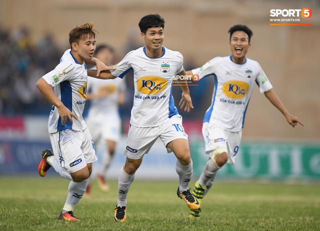 Công Phượng đứng trước cơ hội trở thành chân sút nội xuất sắc nhất V-League 2018 - Ảnh 3.