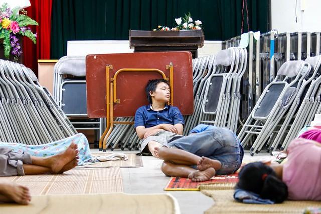 Dân nghèo bấp bênh sau hoả hoạn ở Hà Nội  - Ảnh 3.