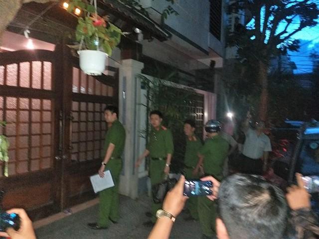 Khám xét nhà 4 cán bộ nguyên lãnh đạo Văn phòng UBND TP Đà Nẵng  - Ảnh 5.