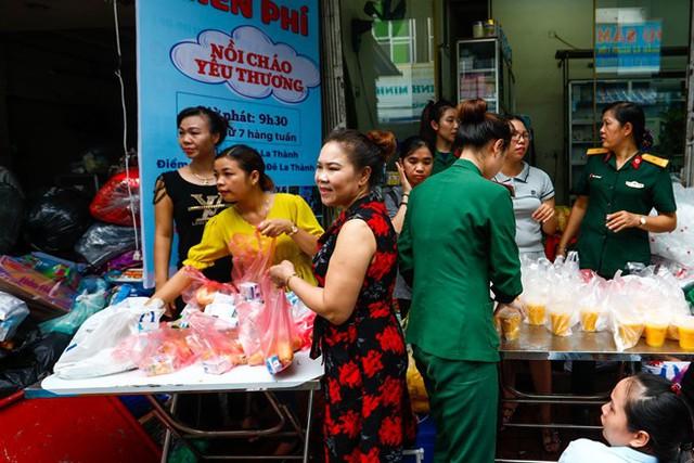 Dân nghèo bấp bênh sau hoả hoạn ở Hà Nội  - Ảnh 5.