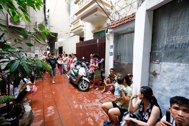 Dân nghèo bấp bênh sau hoả hoạn ở Hà Nội  - Ảnh 7.