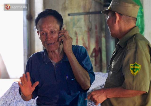 Ông chủ khu trọ nghĩa tình 15k/đêm cho người nghèo Hà Nội: Cháy trụi cả rồi, giờ mọi người biết lấy chỗ đâu mà ở nữa... - Ảnh 9.