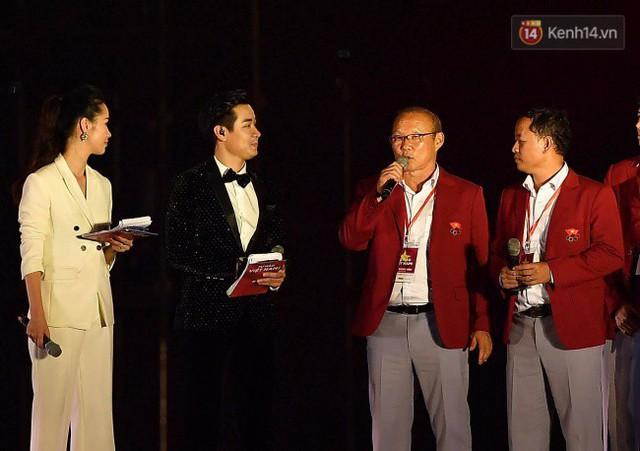 Nhiều khoảnh khắc ấn tượng trong lễ vinh danh đoàn thể thao Việt Nam trở về từ ASIAD 2018 - Ảnh 3.