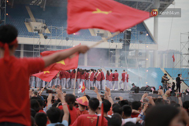 Nhiều khoảnh khắc ấn tượng trong lễ vinh danh đoàn thể thao Việt Nam trở về từ ASIAD 2018 - Ảnh 18.