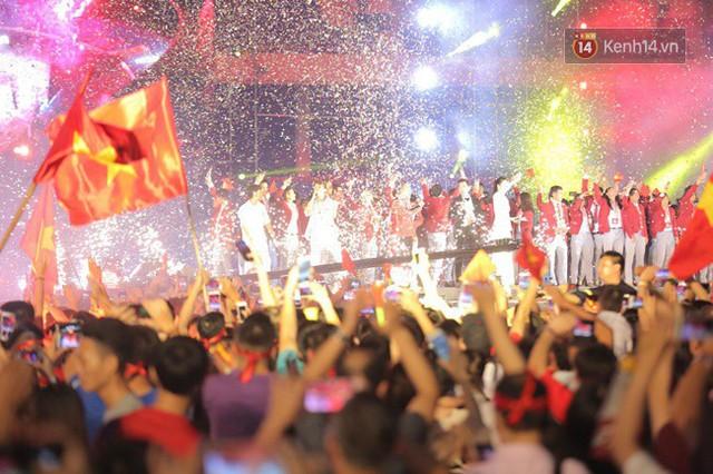 Nhiều khoảnh khắc ấn tượng trong lễ vinh danh đoàn thể thao Việt Nam trở về từ ASIAD 2018 - Ảnh 10.