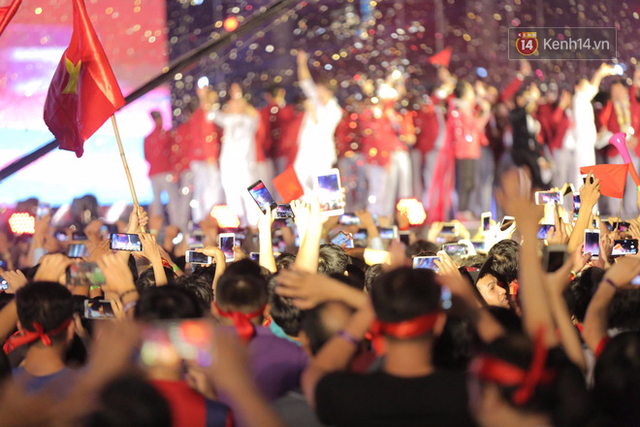 Nhiều khoảnh khắc ấn tượng trong lễ vinh danh đoàn thể thao Việt Nam trở về từ ASIAD 2018 - Ảnh 13.