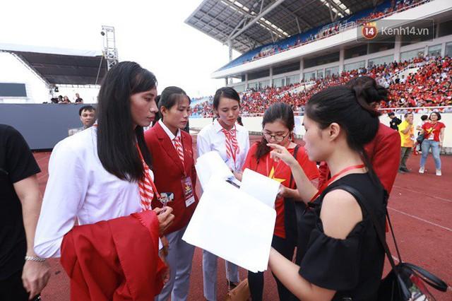 Nhiều khoảnh khắc ấn tượng trong lễ vinh danh đoàn thể thao Việt Nam trở về từ ASIAD 2018 - Ảnh 39.