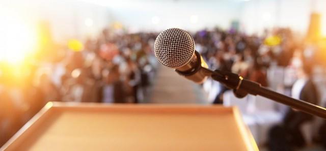 8 cách đơn giản được các diễn giả nổi tiếng áp dụng để vượt qua nỗi sợ của chính mình, thuyết phục và truyền cảm hứng cho đám đông  - Ảnh 2.