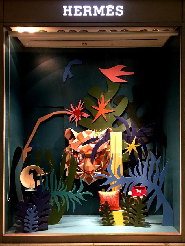 Sự hấp dẫn đến từ những khung cửa sổ của Hermès: Câu chuyện về tính sáng tạo nghệ thuật cao, được đầu tư chỉn chu của một thương hiệu đẳng cấp  - Ảnh 8.