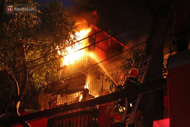 Cập nhật: Phát hiện phần thi thể trong vụ cháy dãy trọ cạnh viện nhi Trung ương - Ảnh 1.