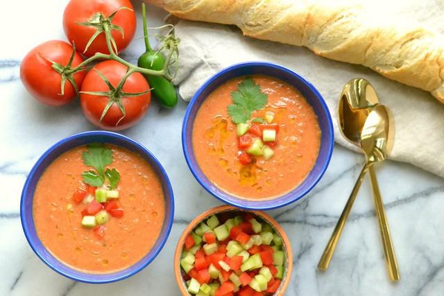 Vòng quanh các nước thưởng thức những bát súp lạnh truyền thống vừa độc vừa lạ - Ảnh 1.