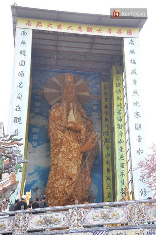 Chuyện về những người đi nhặt ve chai để xây nên ngôi chùa khảm miếng lớn nhất Đà Lạt - Ảnh 4.
