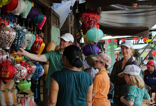 Nghề làm đèn lồng truyền thống ở phố cổ Hội An tất bật những ngày cận Trung thu - Ảnh 11.