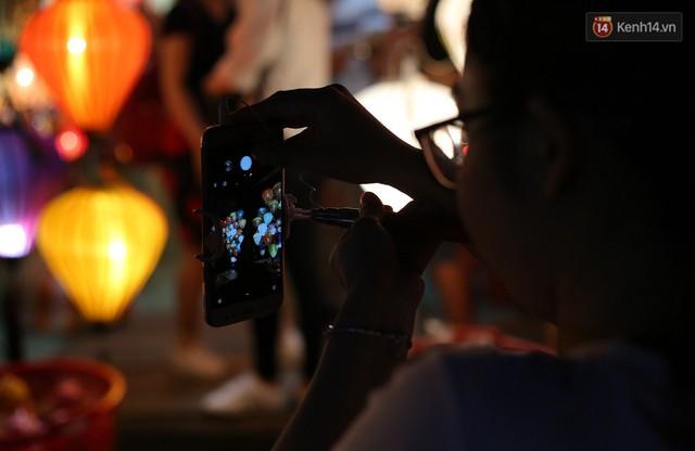 Nghề làm đèn lồng truyền thống ở phố cổ Hội An tất bật những ngày cận Trung thu - Ảnh 16.