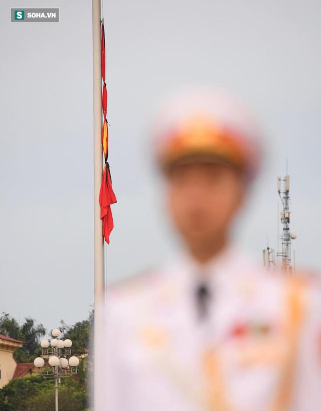 [TRỰC TIẾP] Khắp nơi treo cờ rủ Quốc tang Chủ tịch nước Trần Đại Quang - Ảnh 11.