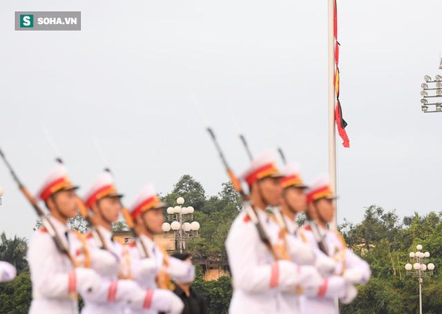 [TRỰC TIẾP] Khắp nơi treo cờ rủ Quốc tang Chủ tịch nước Trần Đại Quang - Ảnh 12.