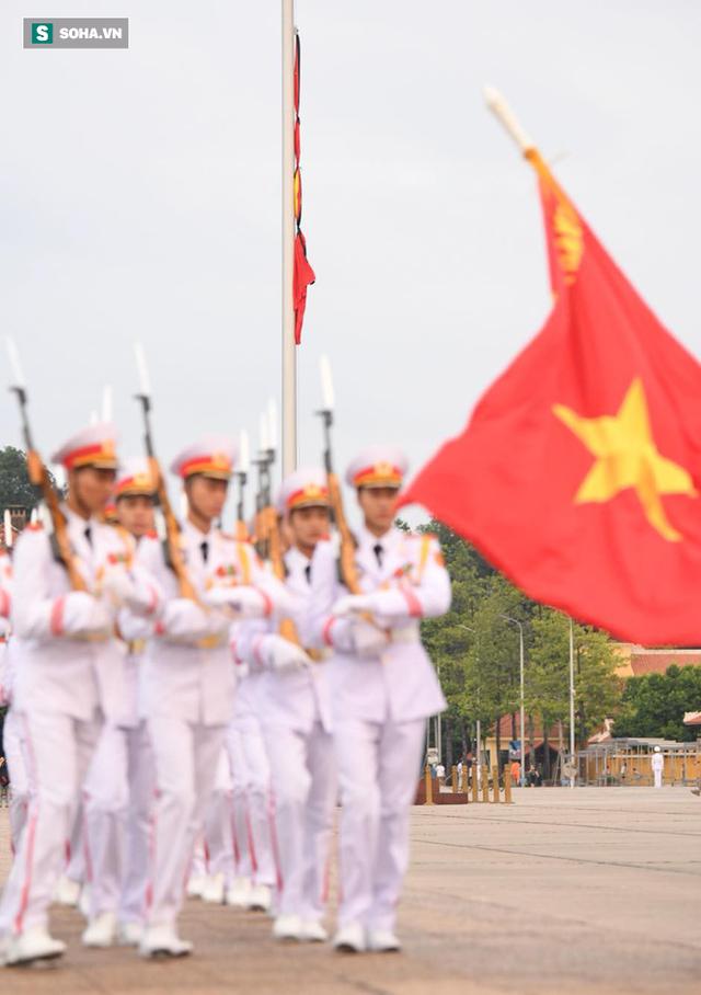 [TRỰC TIẾP] Khắp nơi treo cờ rủ Quốc tang Chủ tịch nước Trần Đại Quang - Ảnh 13.