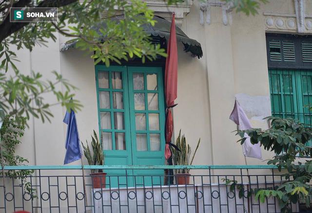 [TRỰC TIẾP] Khắp nơi treo cờ rủ Quốc tang Chủ tịch nước Trần Đại Quang - Ảnh 24.