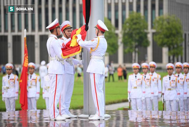 [TRỰC TIẾP] Khắp nơi treo cờ rủ Quốc tang Chủ tịch nước Trần Đại Quang - Ảnh 7.