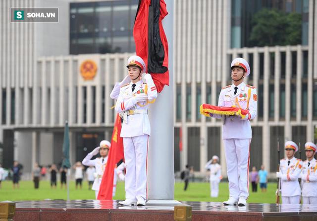 [TRỰC TIẾP] Khắp nơi treo cờ rủ Quốc tang Chủ tịch nước Trần Đại Quang - Ảnh 10.
