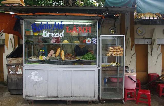 Báo Mỹ ca ngợi bánh mì Việt Nam: Nhất định phải đến Hội An để tìm kiếm món ăn nức tiếng thế giới - Ảnh 5.