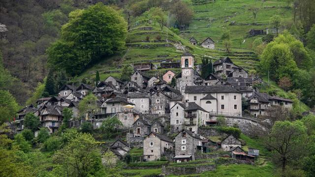 Làng khách sạn độc đáo ở Thụy Sĩ - Ảnh 2.