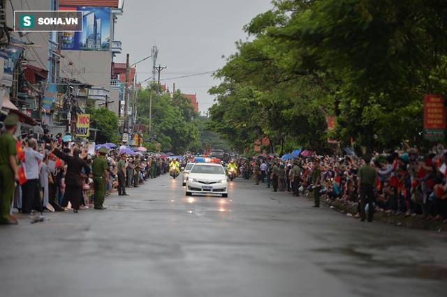 Chủ tịch nước Trần Đại Quang trở về đất mẹ - Ảnh 38.