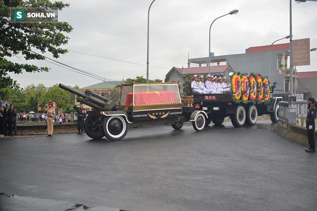 Chủ tịch nước Trần Đại Quang trở về đất mẹ - Ảnh 39.