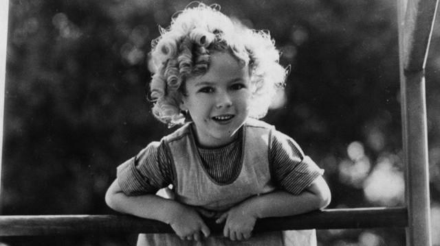 Cuộc đời Shirley Temple: Từ thần đồng diễn xuất đoạt giải Oscar khi mới 7 tuổi đến nữ chính trị gia kiệt xuất được tổng thống Mỹ nể trọng - Ảnh 3.