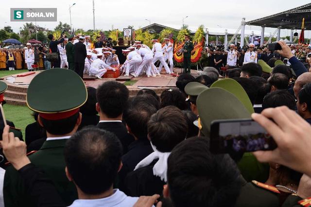 Chủ tịch nước Trần Đại Quang trở về đất mẹ - Ảnh 2.