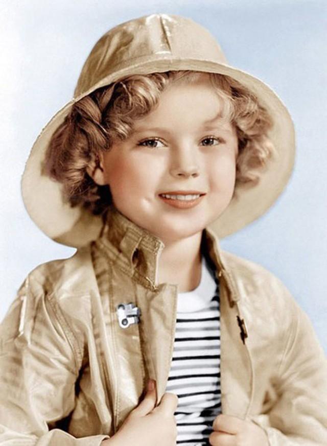 Cuộc đời Shirley Temple: Từ thần đồng diễn xuất đoạt giải Oscar khi mới 7 tuổi đến nữ chính trị gia kiệt xuất được tổng thống Mỹ nể trọng - Ảnh 12.