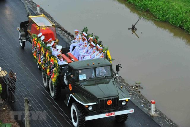 Chủ tịch nước Trần Đại Quang trở về đất mẹ - Ảnh 28.