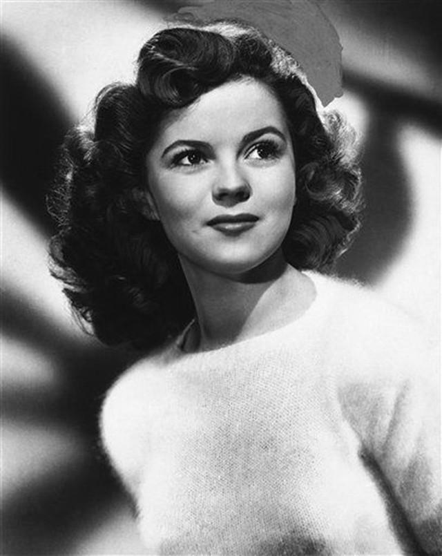 Cuộc đời Shirley Temple: Từ thần đồng diễn xuất đoạt giải Oscar khi mới 7 tuổi đến nữ chính trị gia kiệt xuất được tổng thống Mỹ nể trọng - Ảnh 15.
