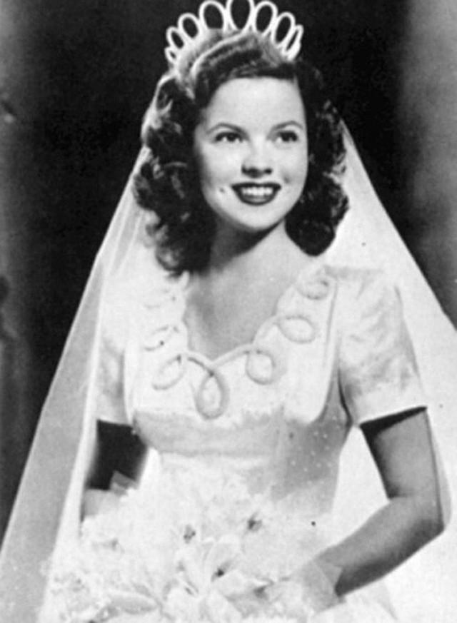 Cuộc đời Shirley Temple: Từ thần đồng diễn xuất đoạt giải Oscar khi mới 7 tuổi đến nữ chính trị gia kiệt xuất được tổng thống Mỹ nể trọng - Ảnh 19.