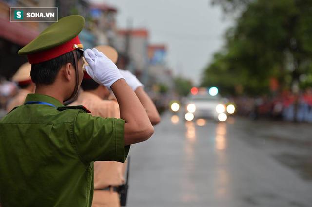 Chủ tịch nước Trần Đại Quang trở về đất mẹ - Ảnh 40.