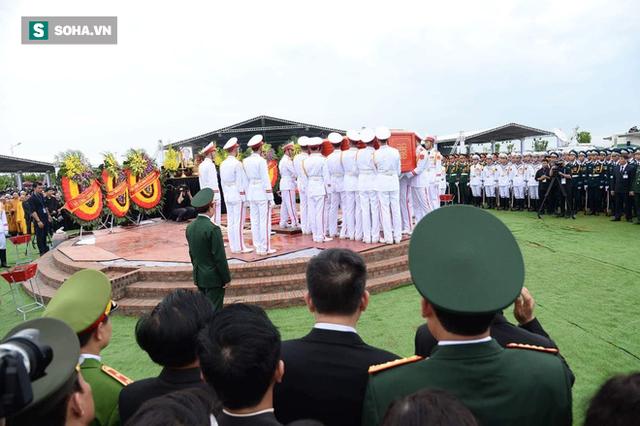 Chủ tịch nước Trần Đại Quang trở về đất mẹ - Ảnh 3.