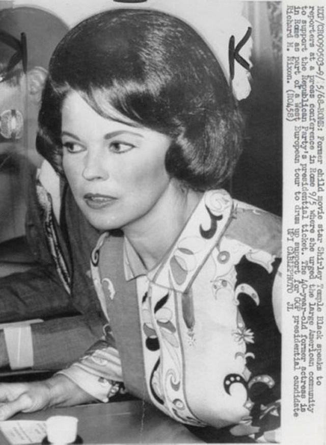 Cuộc đời Shirley Temple: Từ thần đồng diễn xuất đoạt giải Oscar khi mới 7 tuổi đến nữ chính trị gia kiệt xuất được tổng thống Mỹ nể trọng - Ảnh 24.
