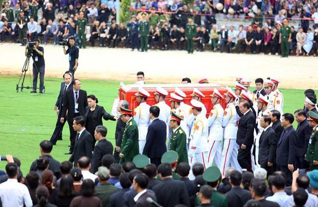 Chủ tịch nước Trần Đại Quang trở về đất mẹ - Ảnh 20.