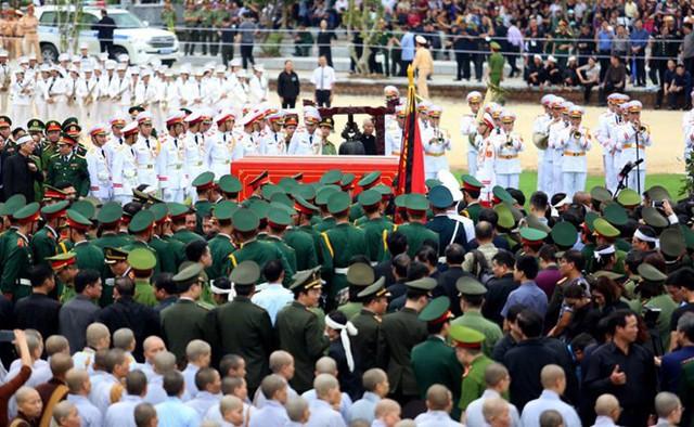 Chủ tịch nước Trần Đại Quang trở về đất mẹ - Ảnh 21.