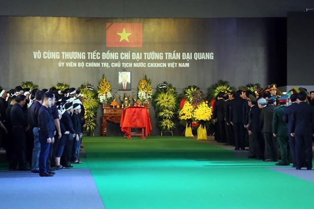 Chủ tịch nước Trần Đại Quang trở về đất mẹ - Ảnh 23.