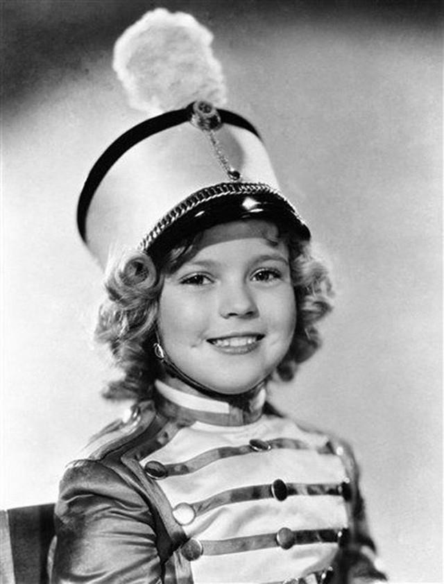 Cuộc đời Shirley Temple: Từ thần đồng diễn xuất đoạt giải Oscar khi mới 7 tuổi đến nữ chính trị gia kiệt xuất được tổng thống Mỹ nể trọng - Ảnh 8.
