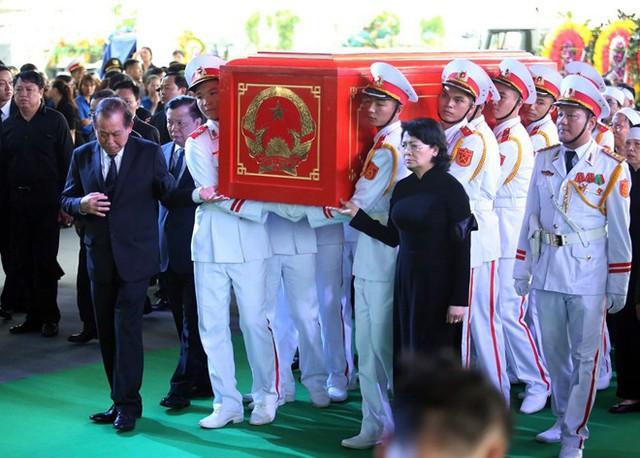 Chủ tịch nước Trần Đại Quang trở về đất mẹ - Ảnh 24.
