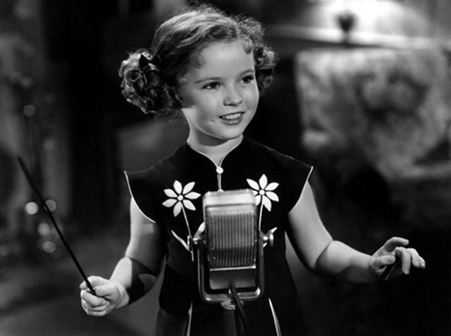 Cuộc đời Shirley Temple: Từ thần đồng diễn xuất đoạt giải Oscar khi mới 7 tuổi đến nữ chính trị gia kiệt xuất được tổng thống Mỹ nể trọng - Ảnh 9.