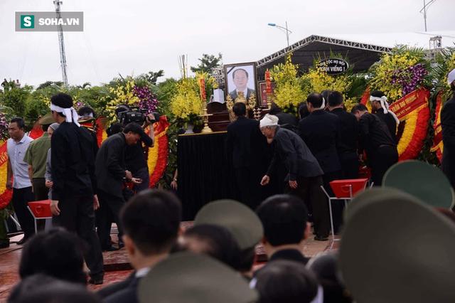 Chủ tịch nước Trần Đại Quang trở về đất mẹ - Ảnh 9.