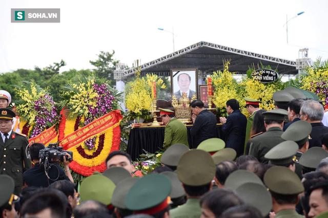Chủ tịch nước Trần Đại Quang trở về đất mẹ - Ảnh 10.