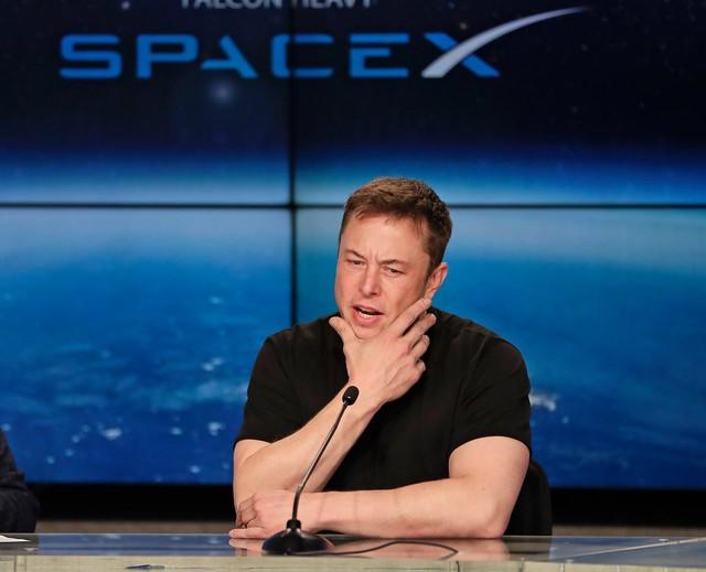 Ủy ban Chứng khoán Mỹ muốn cấm Elon Musk đảm nhiệm vai trò CEO Tesla - Ảnh 1.